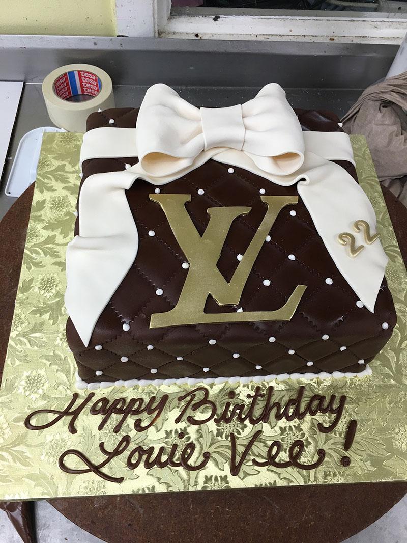 Square Louis Vuitton Bag Cake   Montilio's Bakery