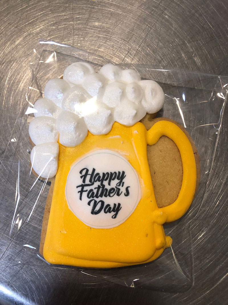 Fathers Day Beer Mug Cookie Minimum Of 6 Montilio S Bakery